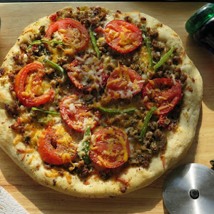 Sausage and Peppers Pizza #SundaySupper
