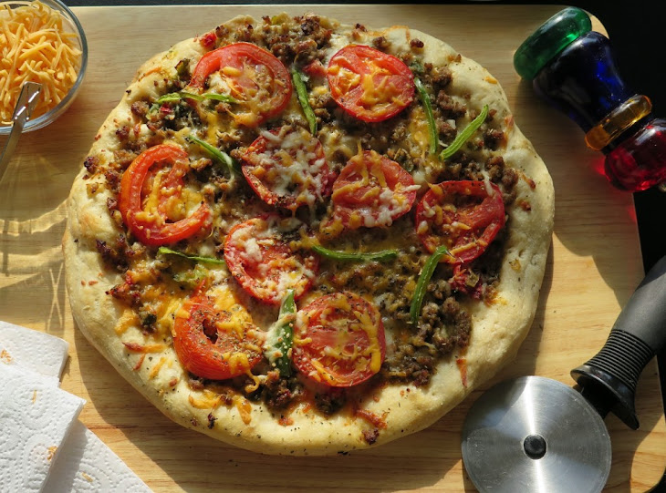 Sausage and Peppers Pizza #SundaySupper Recipe