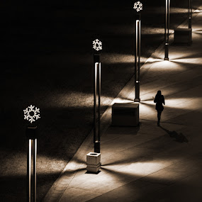 Walking in the dark by Nenad Borojevic Foto - City,  Street & Park  Night ( , Christmas, card, Santa, Santa Claus, holiday, holidays, season, Advent )