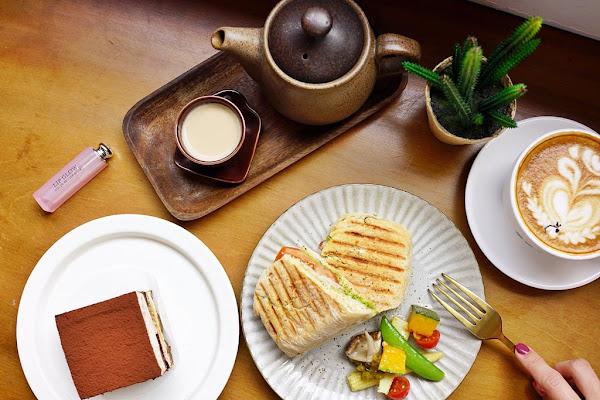 新竹下午茶│百分之二咖啡 2/100 Cafe。一百種味道姊妹店‧巷弄中的老宅咖啡廳*