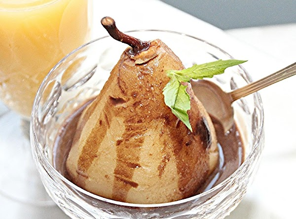 Stuff pears with 1 to 2 tablespoons of chocolate icing each.