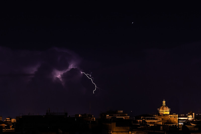 Lightning storm on the horizon di cerasia80