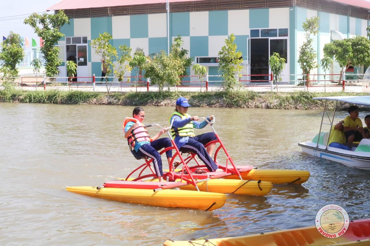 Đạp vịt – Chèo thuyền Kayak