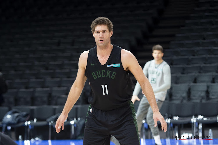 🎥 Sterren ontbreken maar serie gaat verder: Brook Lopez brengt Milwaukee op één overwinning van NBA Finals
