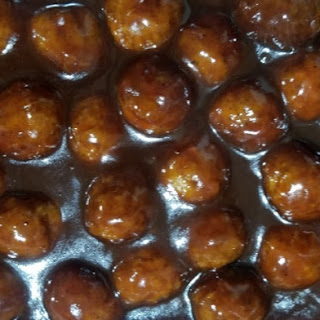 Slow Cooker BBQ Meatballs with Grape Jelly