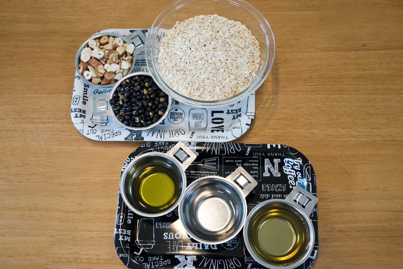 黒千石レシピ:黒千石グラノーラ・材料