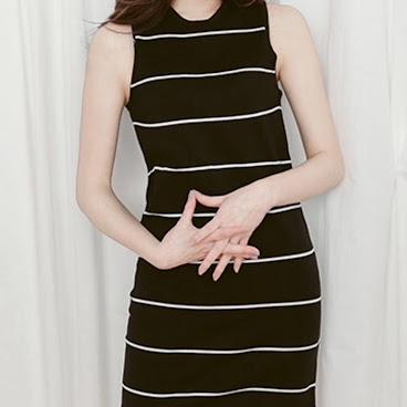 針織橫紋背心連衣裙 (預購商品)