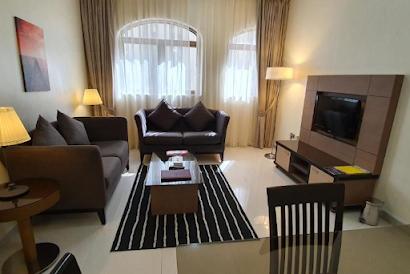 Meedar Street Serviced Apartment, Al Zahiyah