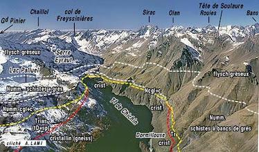 Photo: Vue panoramique de la haute vallée du col de Freissinières 2800m à Dormillouse 1800m