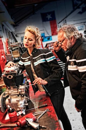 moteur-de-bsa-a10-pour-presente-les-blousons-tom-par-machines-et-moteurs-specialiste-norton-et-triumph