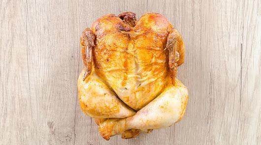 Pollo asado en su jugo y parrillada de calabacín y tomate