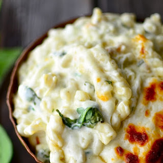 Spinach Artichoke Macaroni and Cheese