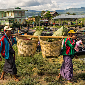 Myanmar market by Edzo Boven - People Street & Candids ( smc pentax da 18-135 mm, vakanties, 2014, pentax, pentax k-3 )