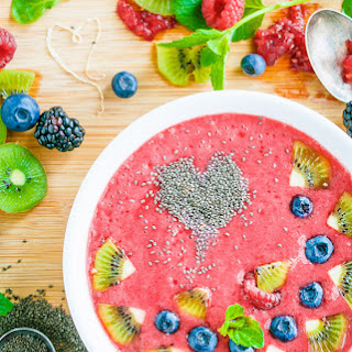 Rasberry Banana Smoothie Bowl.
