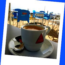 Eine Tasse Kaffee by Marianne Fischer - Food & Drink Alcohol & Drinks ( coffee cup )