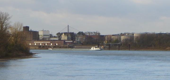 Düsseldorf-Holthausen mit Resholzer Hafen