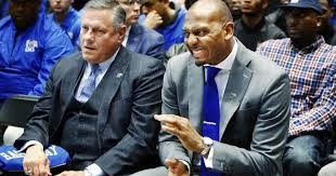 Penny Hardaway coaching the University of Memphis