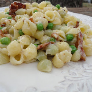 Creamy Mini Shell Pasta With Bacon and Peas