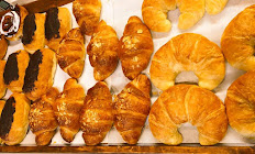 Croissant (Butter, Almond, or Chocolate)