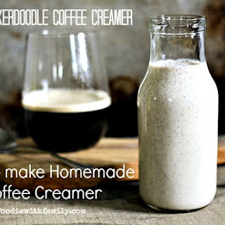 How to Make Homemade Coffee Creamer {Snickerdoodle Coffee Creamer}.