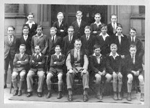 Photo: Old Class Photo 01 (Year Unknown)