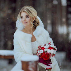 Wedding photographer Viktoriya Savinova (SAVINOVA). Photo of 30.01.2015