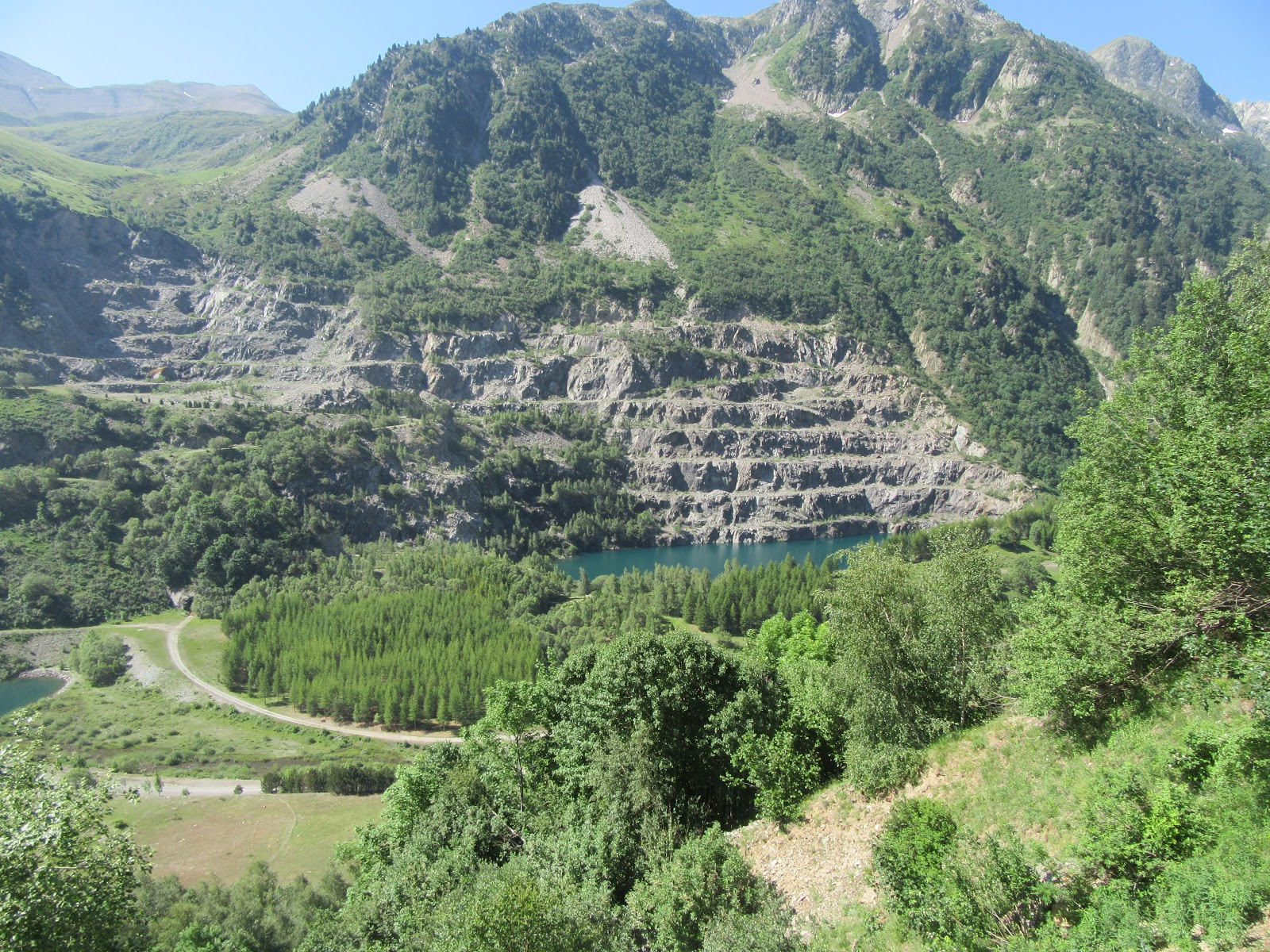 Cycling Col de la Croix de Fer, North - Lac de Grand Maison and quarry