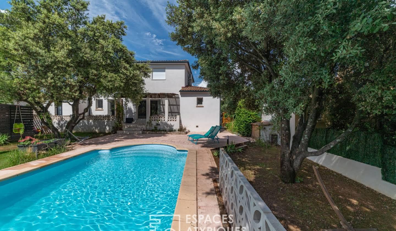 Maison avec piscine Castries