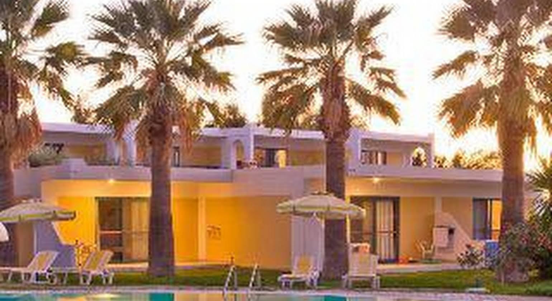 Alex Beach Hotel & Bungalows