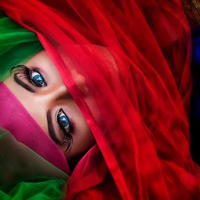 the eye's by Budjana Yamazaki - People Body Parts