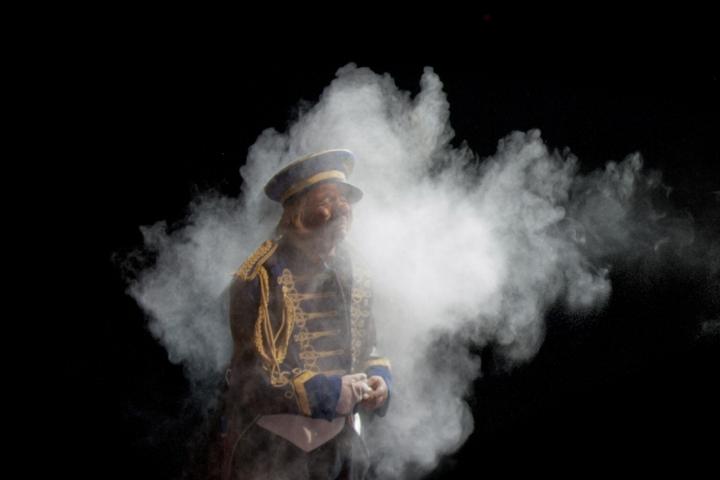 Clown in a cloud di Andrea Izzotti