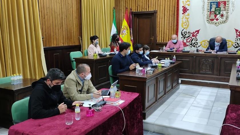 Imagen del pleno celebrado ayer en el Ayuntamiento.