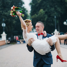 Wedding photographer Evgeniy Semenychev (SemenPhoto17). Photo of 12.09.2015