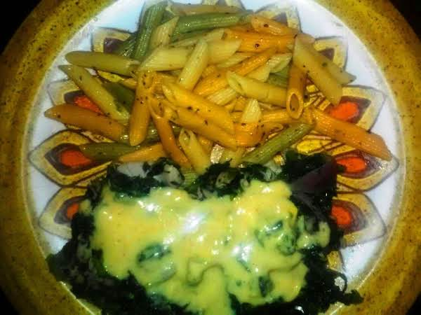 Chicken And Spinach With Hollandaise Oregano