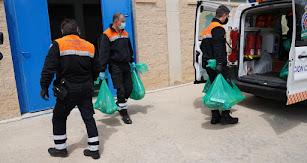 Reparto de alimentos en el municipio.