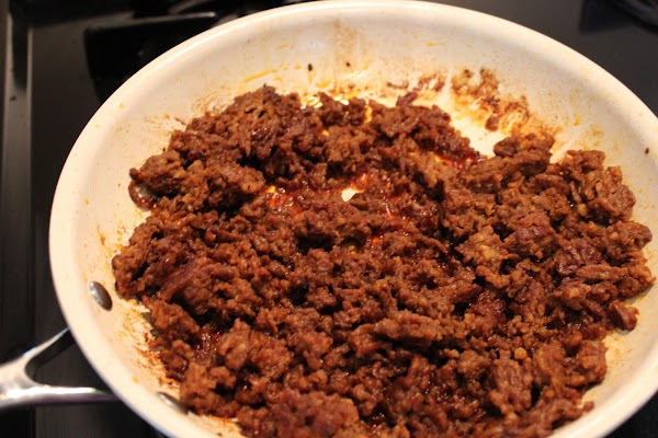 Cook the chorizo and drain off the fat. Remove from skillet.