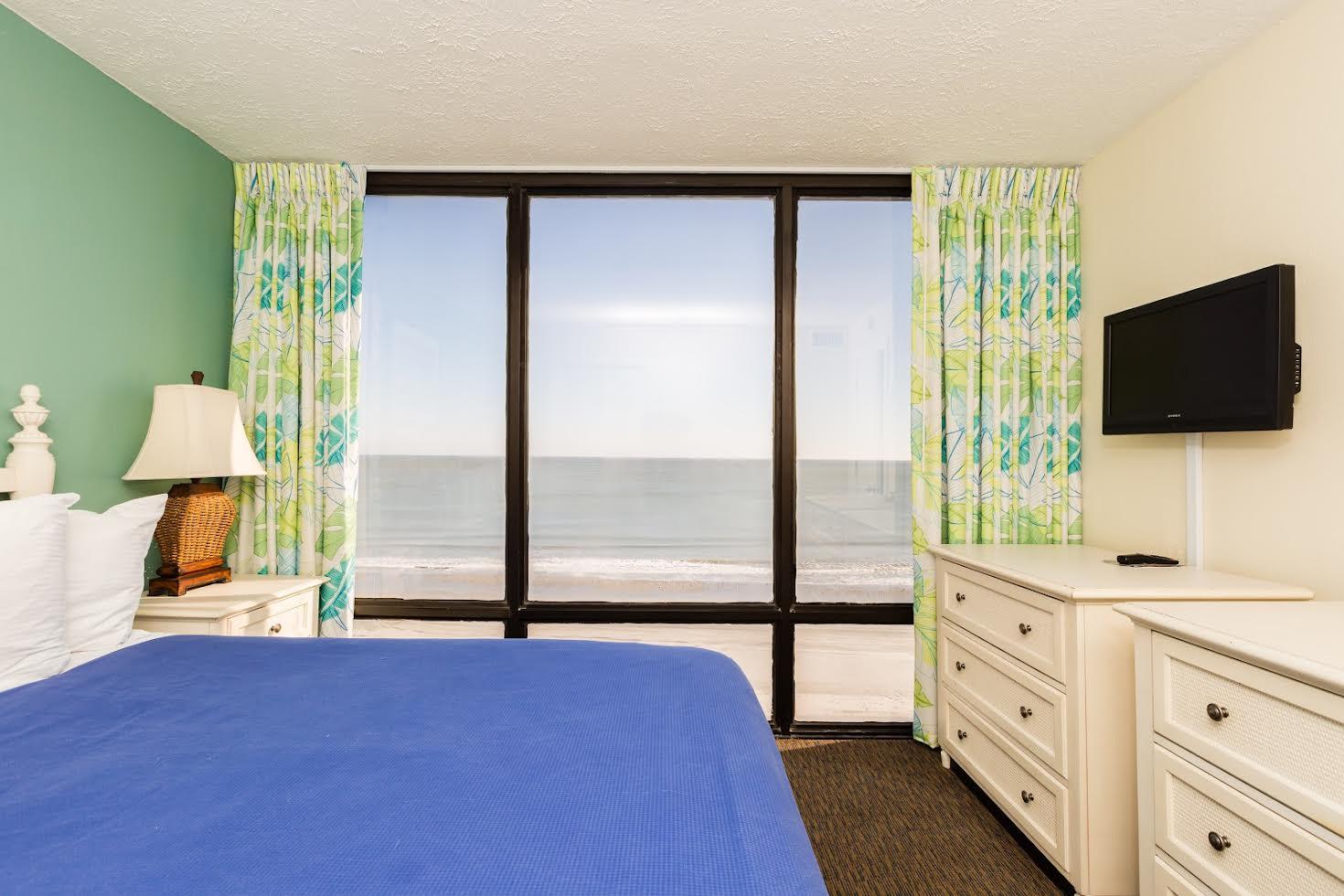 One Bedroom Oceanfront Picture Number 8
