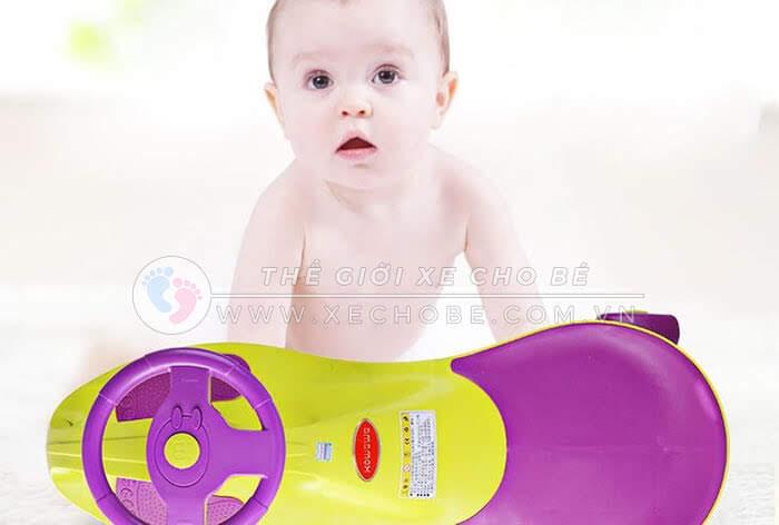 chọn xe lắc cho bé 1 tuổi 1