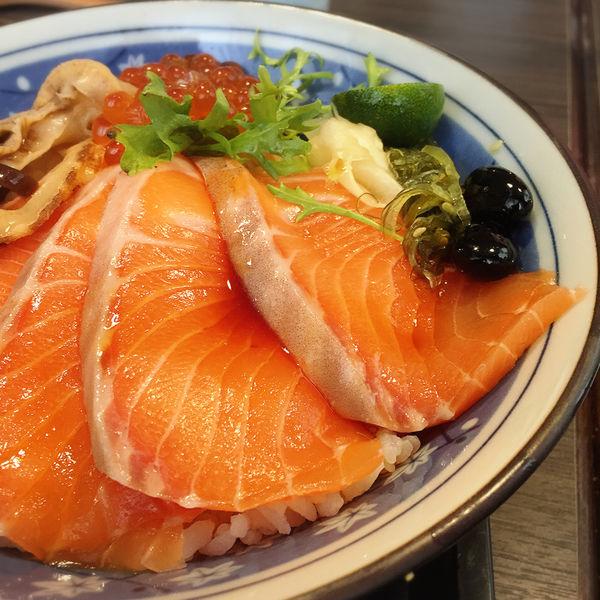 虎丼日式丼飯專賣店,自助投幣點餐超特別,高CP值的平價美味