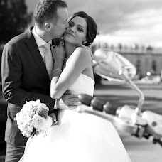 Wedding photographer Ekaterina Buneeva (ekaterinabuneeva). Photo of 19.07.2017