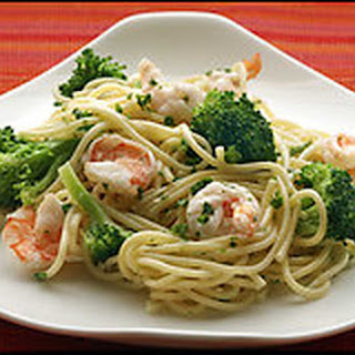 Spaghetti with Garlicky Shrimp and Broccoli Recipe