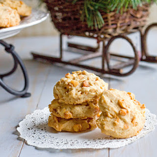 Linda's Orange Macadamia Nut Cookies