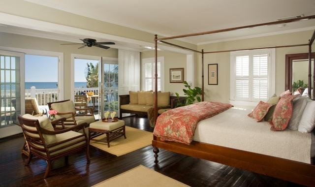 Photo: Tradewind-Oceanfront King Suite