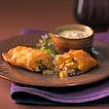 SOUTHWEST EGG ROLLS AND COOL AVOCADO DIP