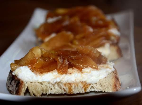 Apple Pie-riccotta Toast