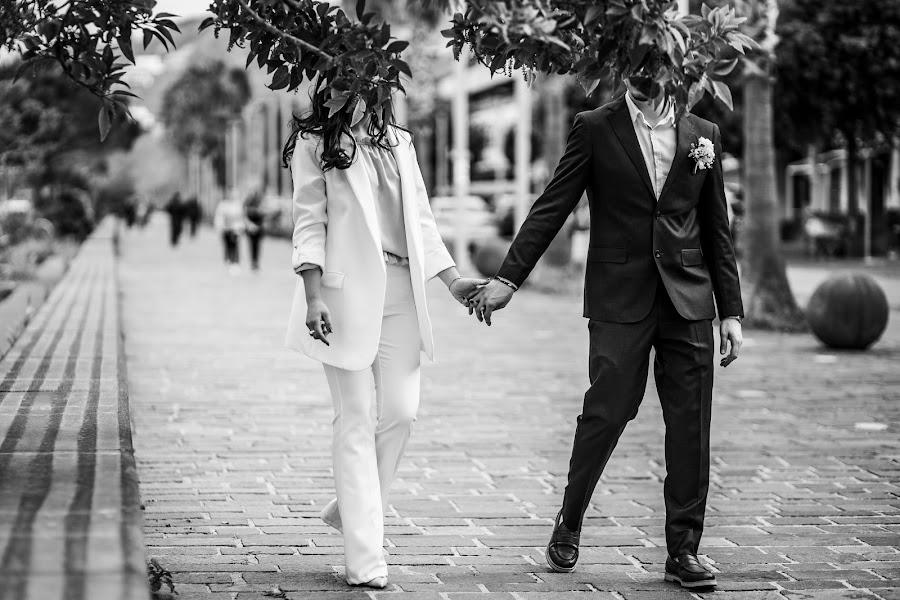 Wedding photographer Leonardo Scarriglia (leonardoscarrig). Photo of 15.05.2019
