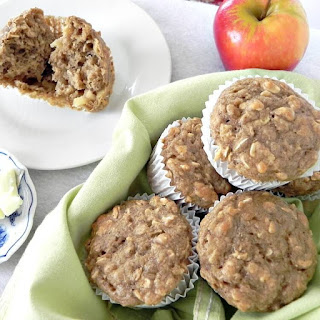 Healthy Apple Cinnamon Muffins.