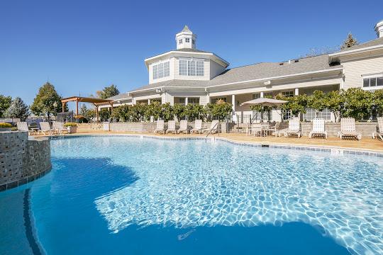 Bridle Creek's refreshing swimming pool