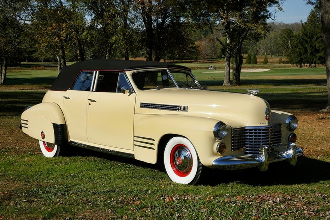 1941 Cadillac 4dr Convertibe - 100 point Show Car Hire FL