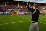 ? 'Een valse noot is toegestaan': Antwerp-spelers en fans maar ook Tourist LeMC en Guido Belcanto brengen clublied vanuit hun kot